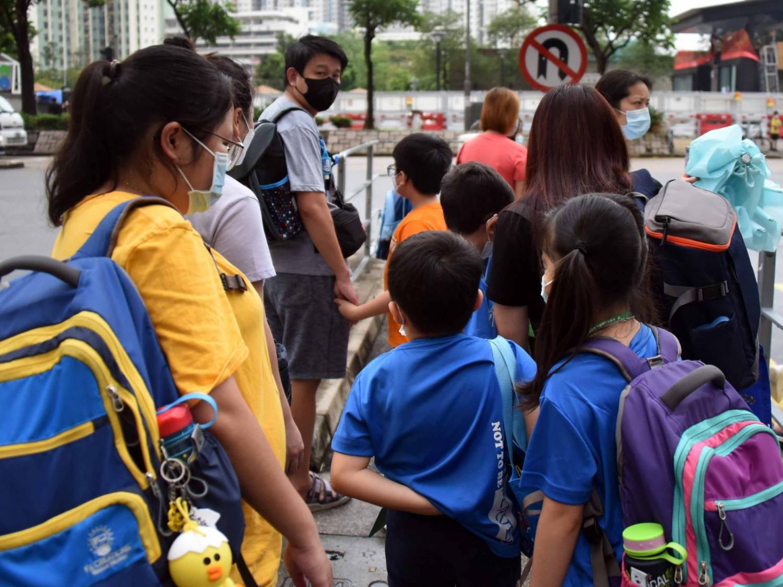 教育局-幼稚園-中學-小學-半天面授課-學生-出外用膳-香港財經時報HKBT