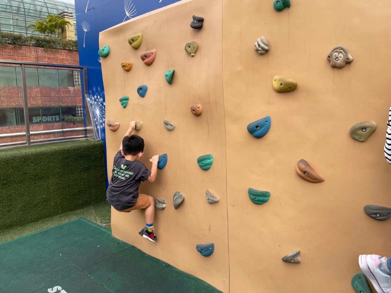 親子好去處-沙田新城市廣場-免費-跳彈床-親子設施-故事書-香港財經時報HKBT-香港財經時報-HKBT