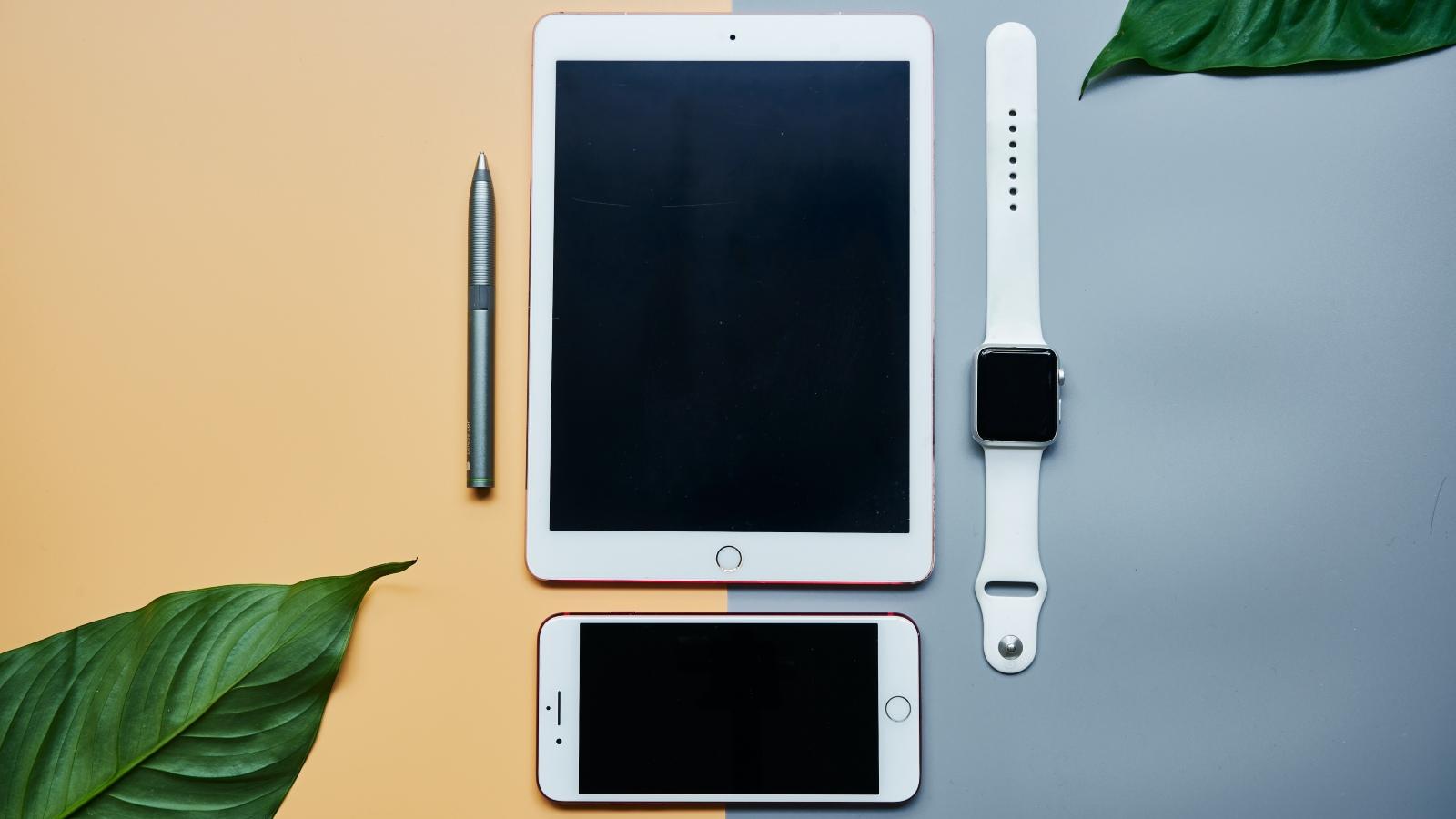 Apple, iOS, 間諜程式入侵iPhone, 無點擊連結都中招, HKBT, 香港財經時報